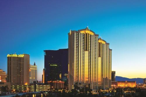 Junior suite 18th floor at The Signature MGM, Clark