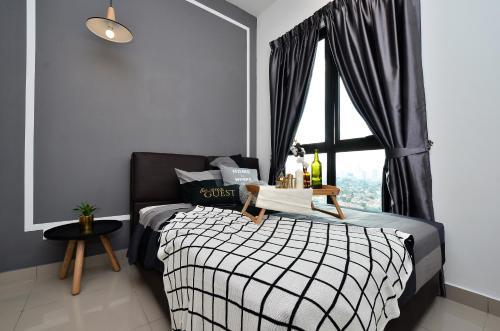 Cozy Space KL PJ MidValley@Old Klang Road 1-8pax, Kuala Lumpur