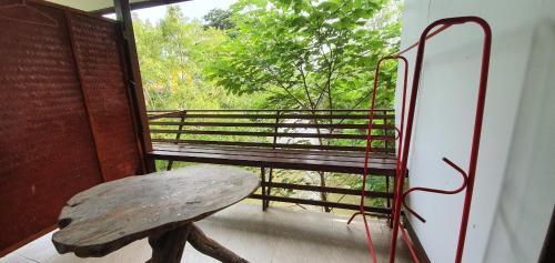 ภูธารน้ำใสรีสอร์ต Putan-namsai Resort, Muak Lek