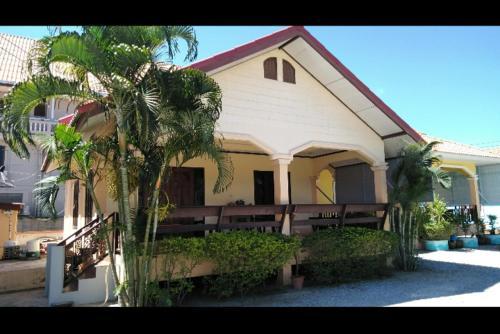 บ้านพักน้องจ็อบ, K. Sam Roi Yot