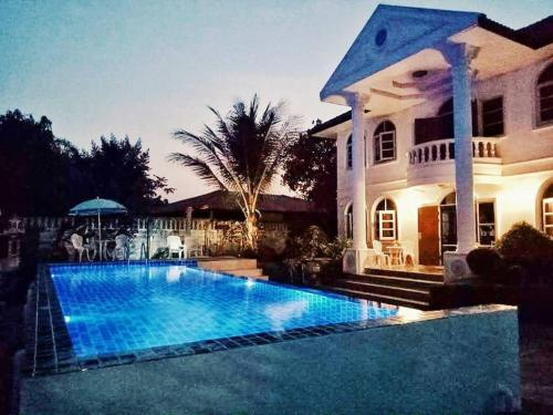 B&B Holiday Home, San Kamphaeng