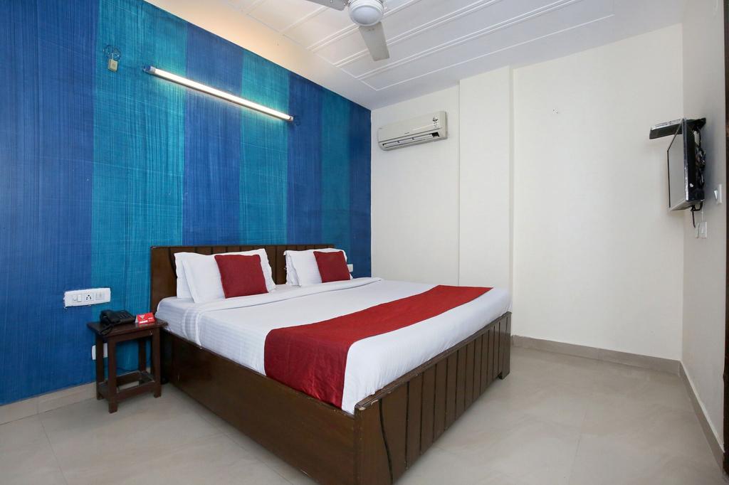 OYO 6366 Grand Regal Hotel, Chandigarh