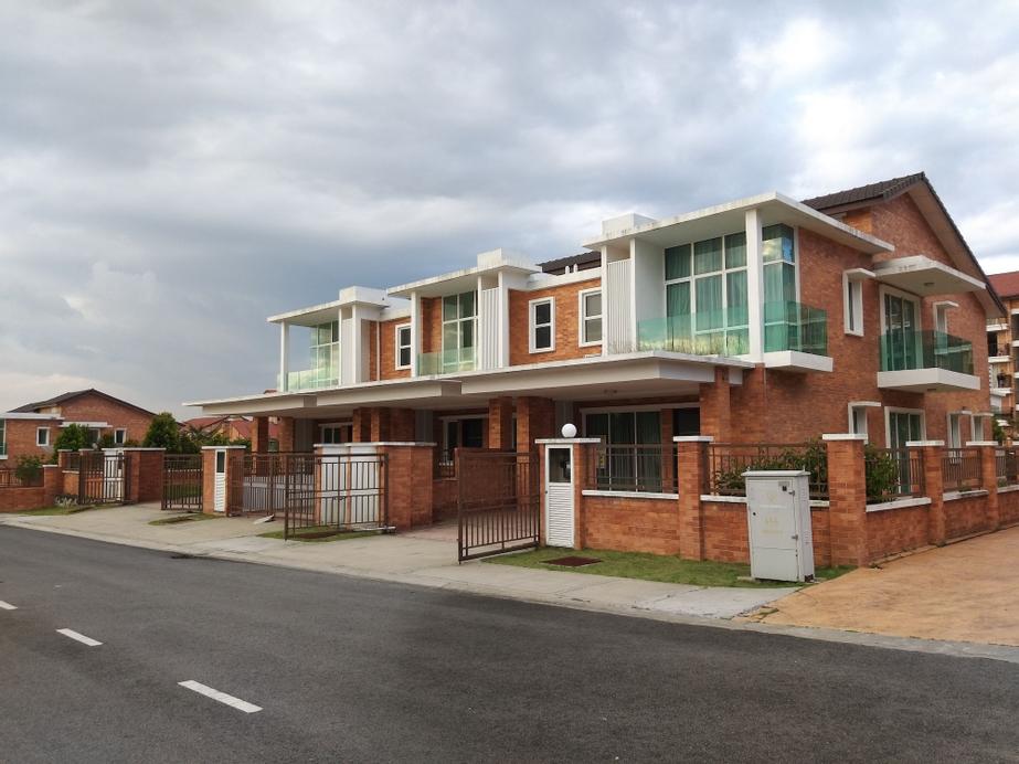 New and Classic Homestay 2 Storey House, Hulu Langat