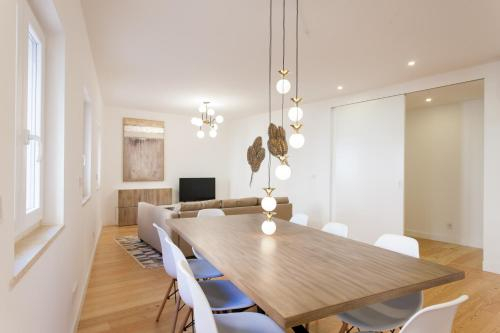 Mouraria Blue Three-Bedroom Apartment w/ Parking - by LU Holidays, Lisboa