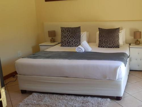 Twenty 4 Hour Rest Bed & Breakfast, O.R.Tambo