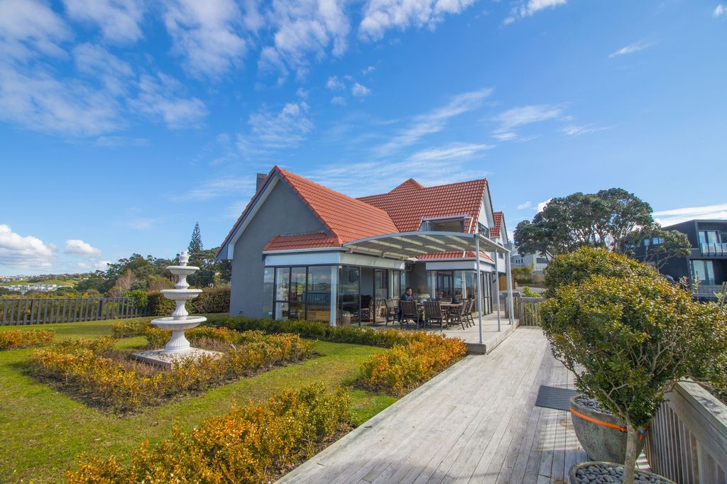 Orewa Cliff Top Holiday Home, Rodney