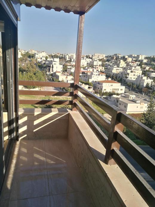 Cozy Dair Ghbar Apartments, Amman
