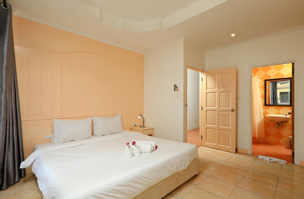 Arya Eightball Records Hotel, Pulau Phuket