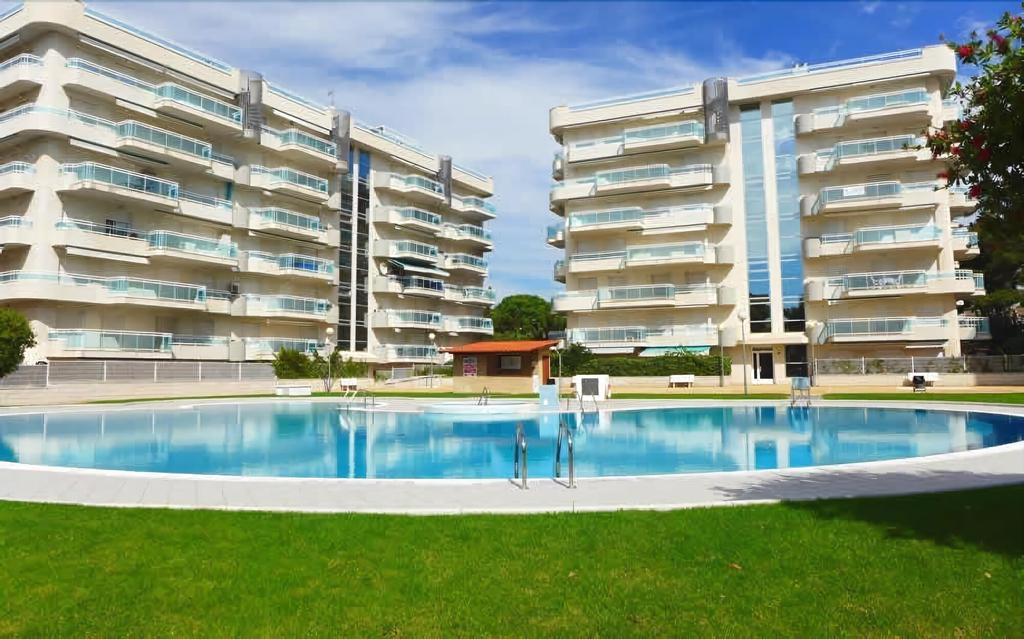 Apartamentos Larimar - Families Only, Tarragona