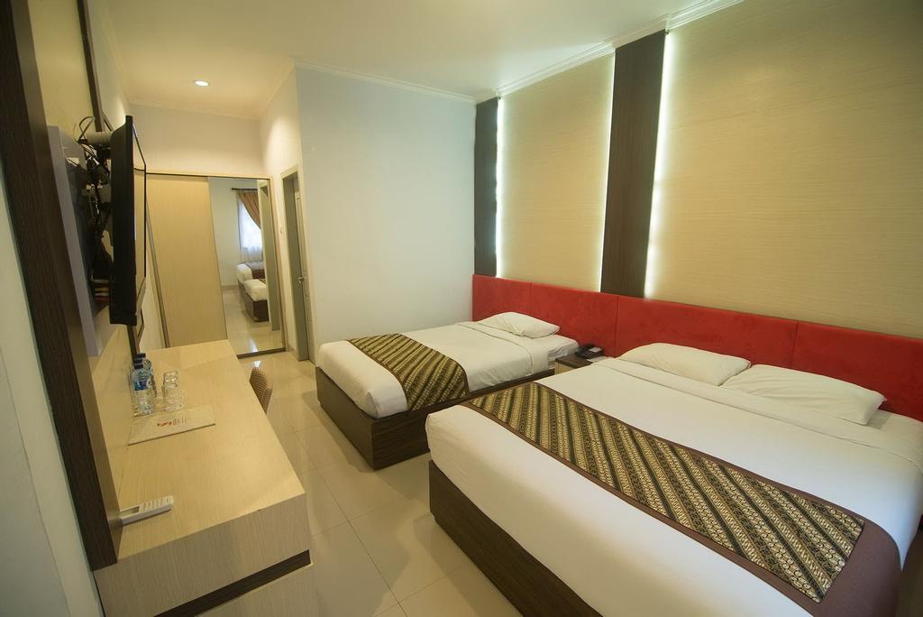 Dinasty Smart Hotel Solo, Solo
