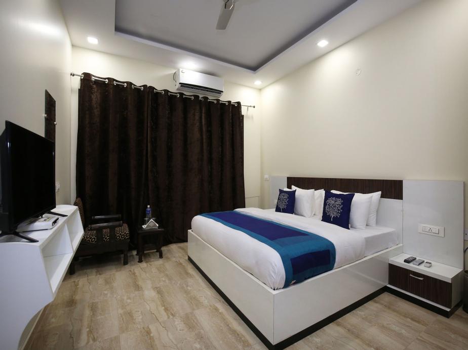 OYO 9940 Shashank Villa, Panchkula