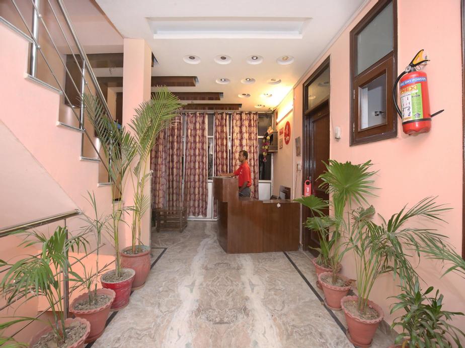 OYO 9599 Vansh Palace, Chandigarh