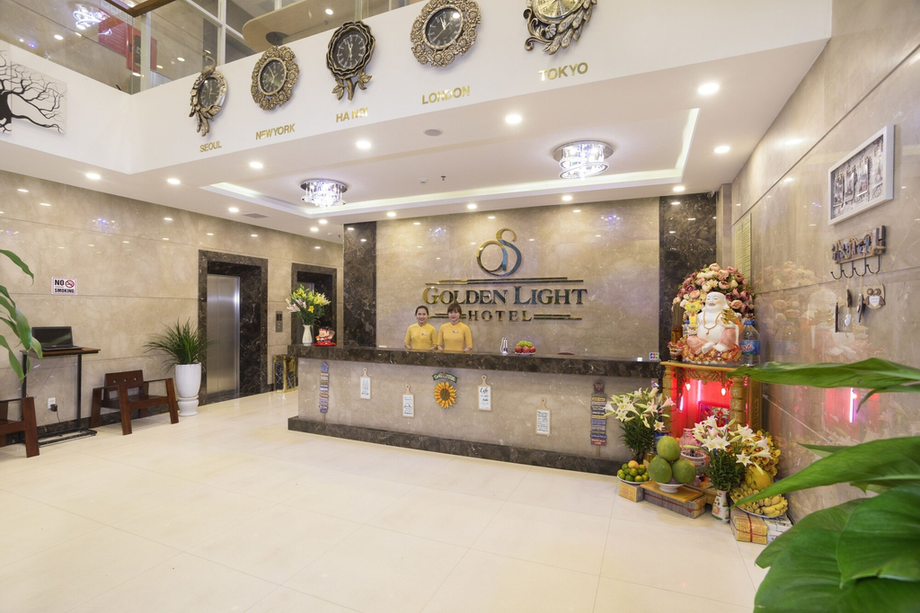 Golden Light Hotel, Sơn Trà