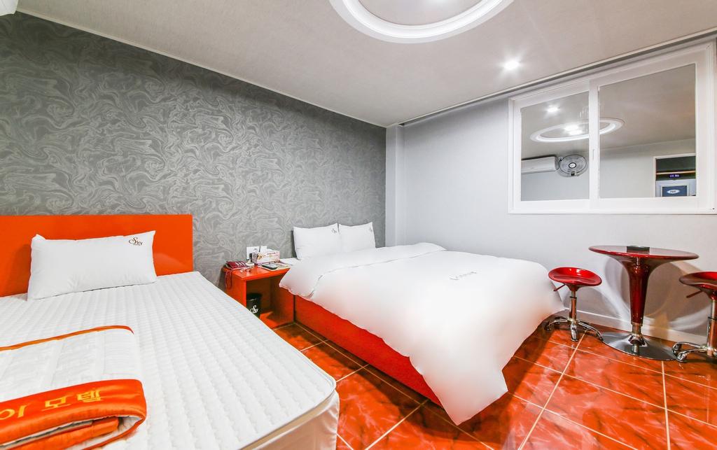 Sky Motel, Changwon