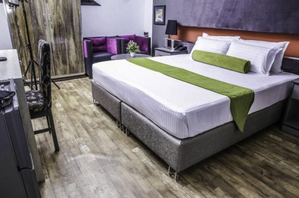 Hotel Platinum, Lahore