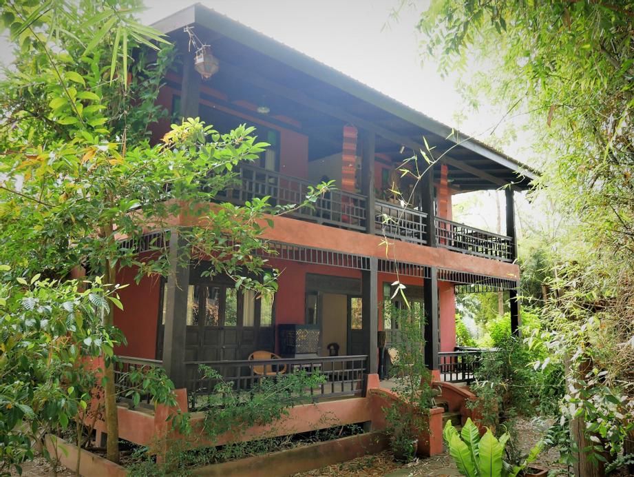 Maison De Sukhothai, Sawankhalok