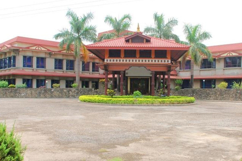 Hotel Lumbini Garden New Crystal, Lumbini