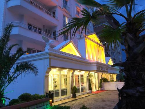 Andalouse Elegante Suite Hotel, Merkez