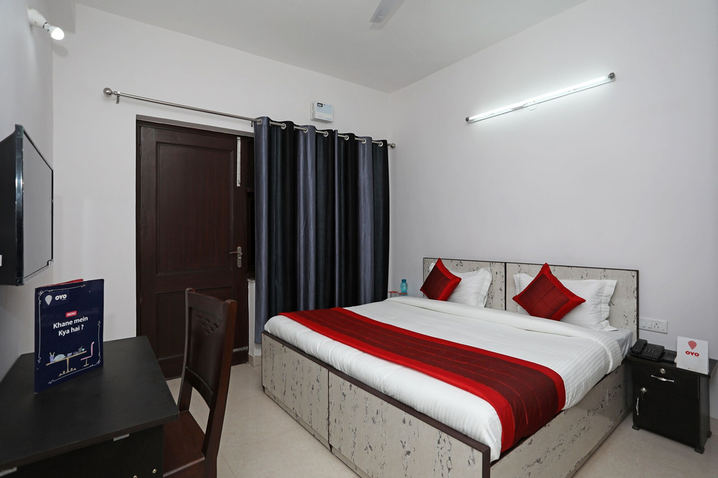 OYO 11383 Hotel Go Rooms, Gurgaon