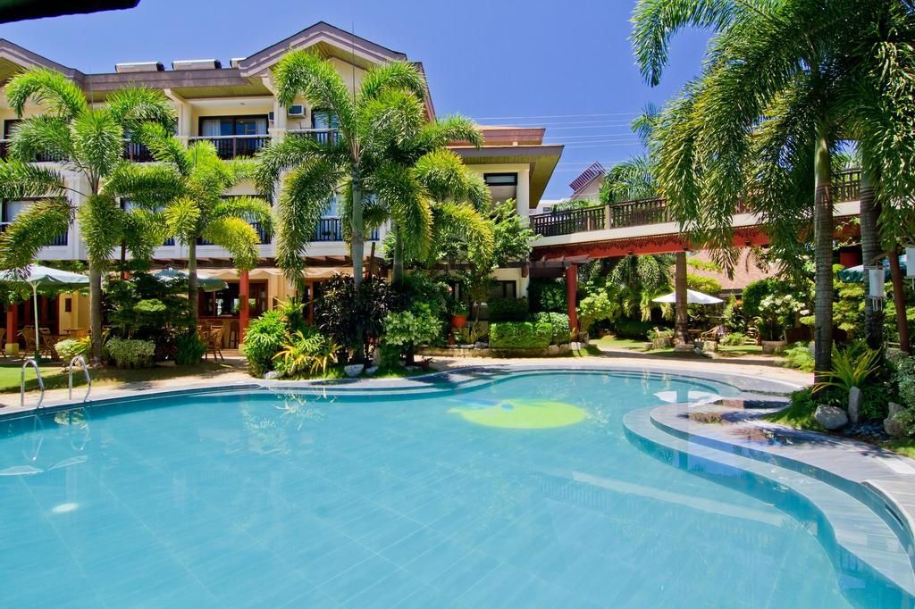 Boracay Tropics Resort Hotel, Malay