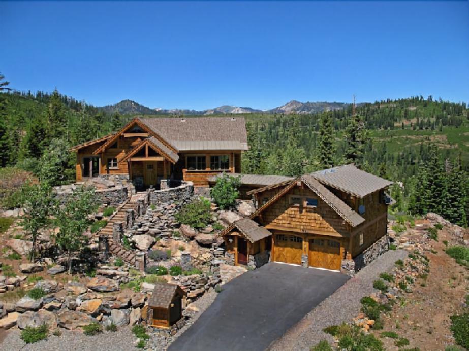 Glacier Luxury Lodge, Nevada