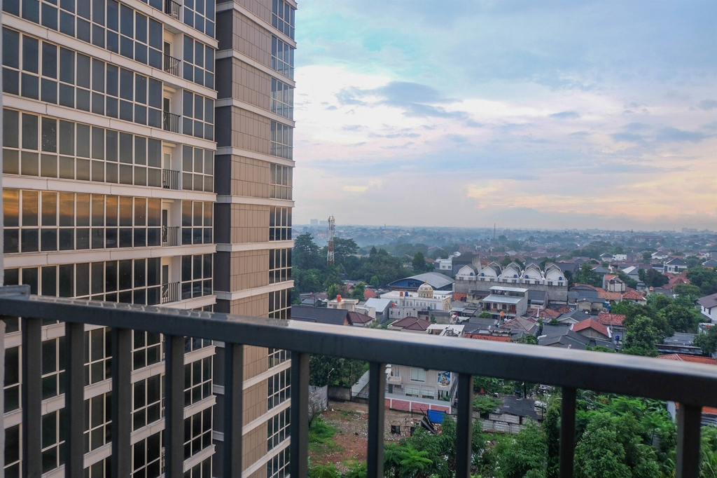 Spacious and Comfortable 1BR Lexington Apartment, South Jakarta