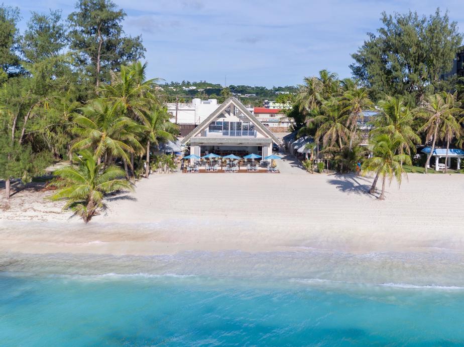 Surfrider Resort Hotel,