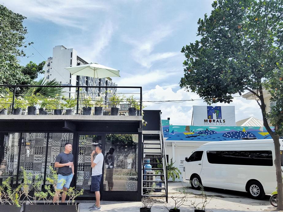 Murals Hostel and Cafe, Cebu City