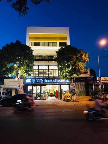 QT City Resort & Restaurant, Buon Ma Thuot