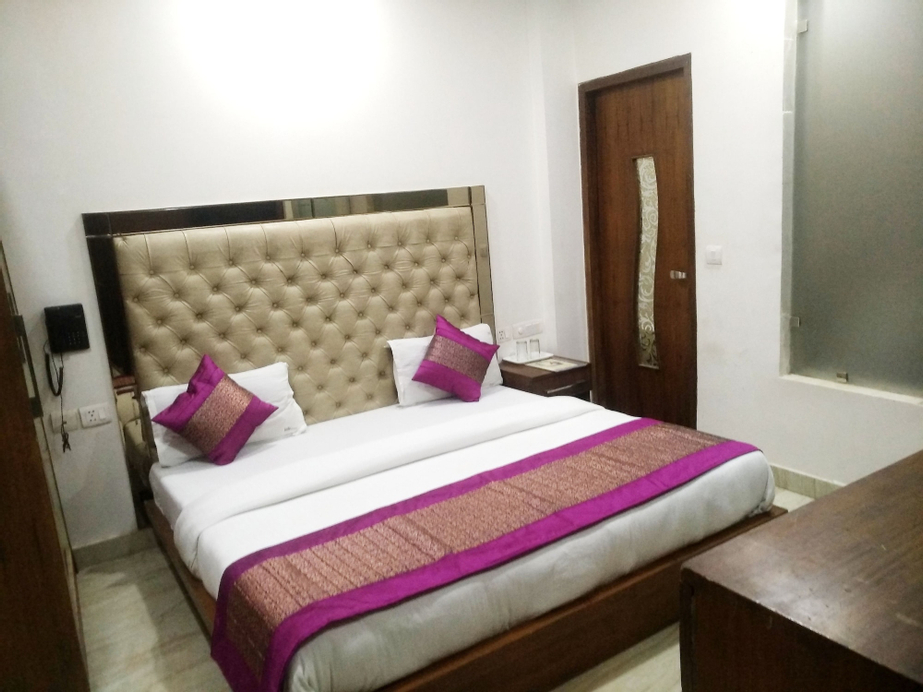 Hotel Indo continental, West