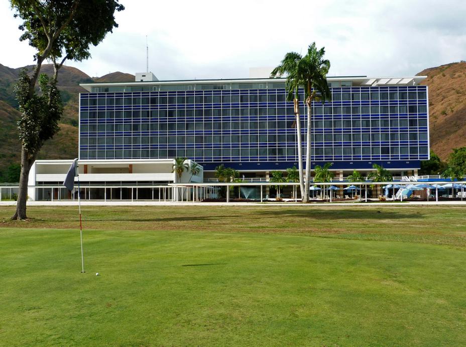 Marriott Maracay Golf Resort, Mario Briceño Iragorry