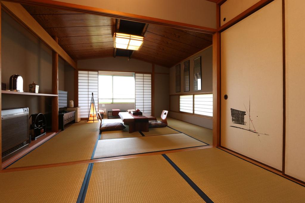 Hotel Minami-Kaikisen, Itō
