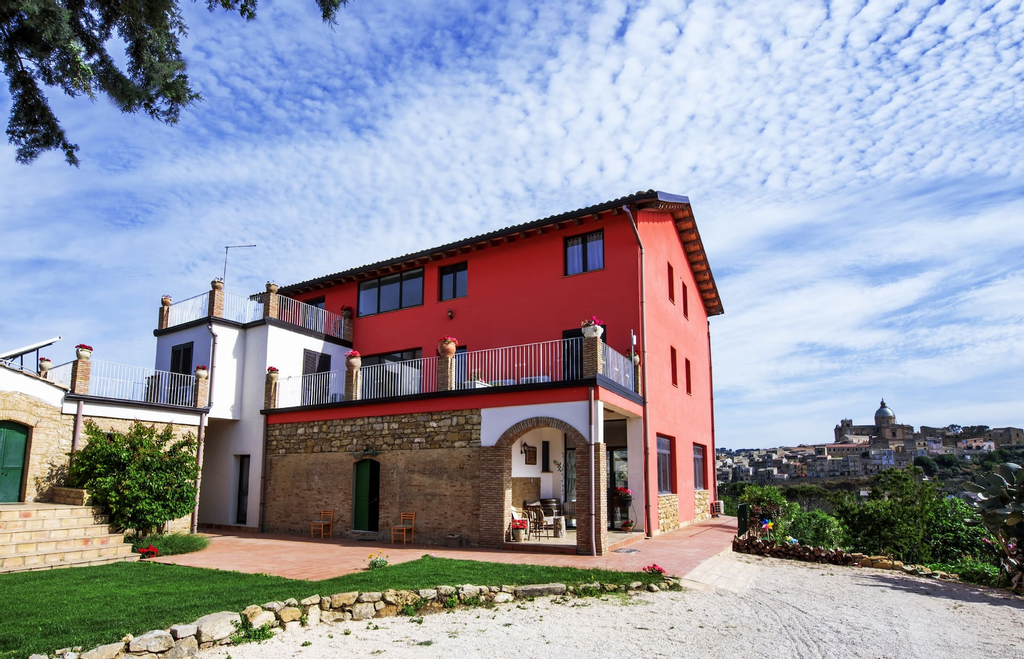 La Casa Rossa Country House, Enna