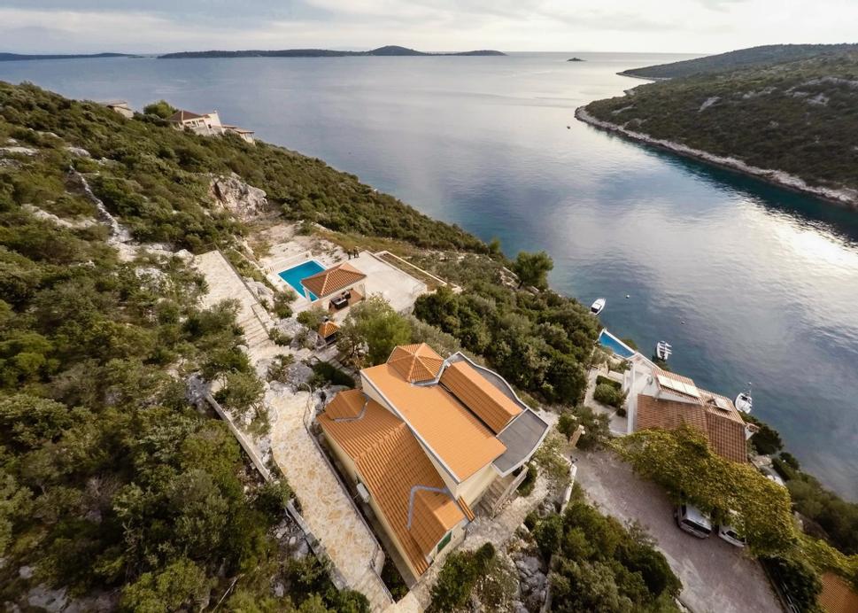Villa Vese Vitez -heated Pool, Marina