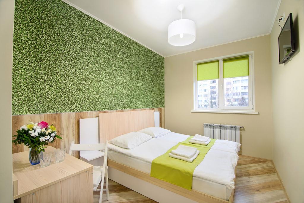 Urban Hotel, Pustomytivs'kyi