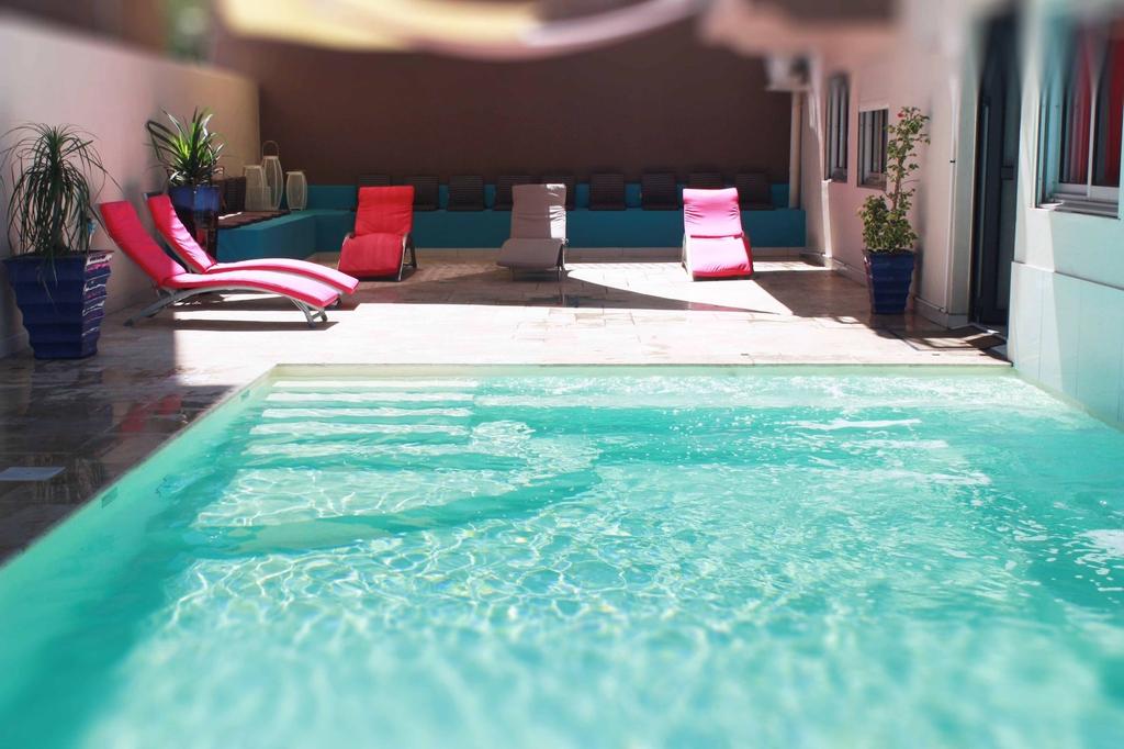 Hotel Select, Saint-Denis