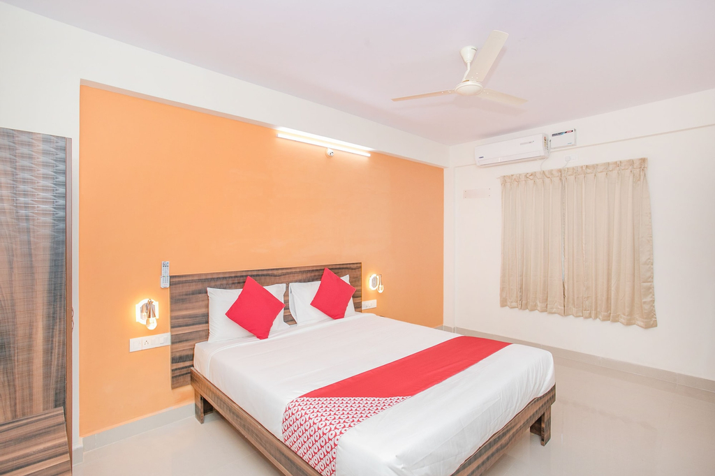 OYO 10475 PMR Hotel, Bangalore