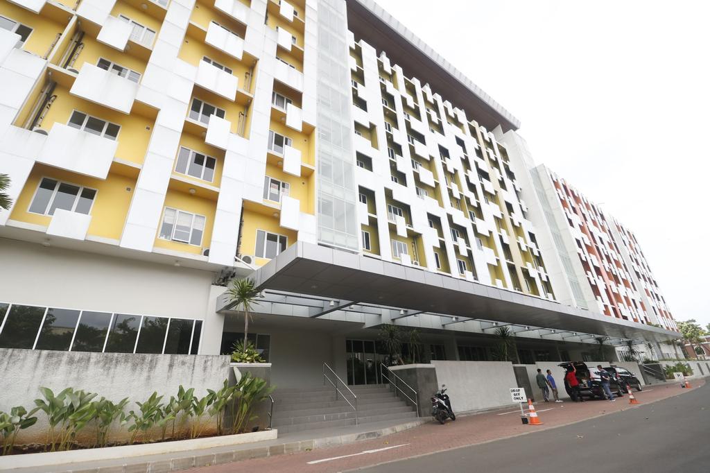 RedDoorz Apartment near Summarecon Mall Serpong, Tangerang
