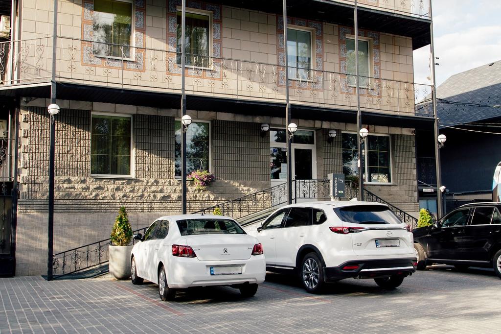 Korona Hotel, Boryspil's'ka