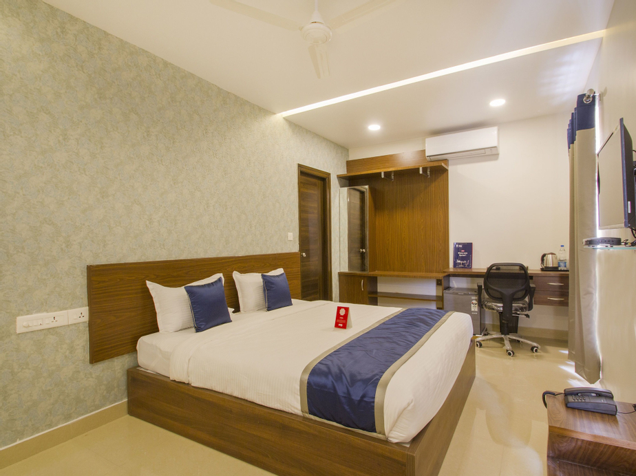 OYO 10434 SSR Royal Suites, Ranga Reddy