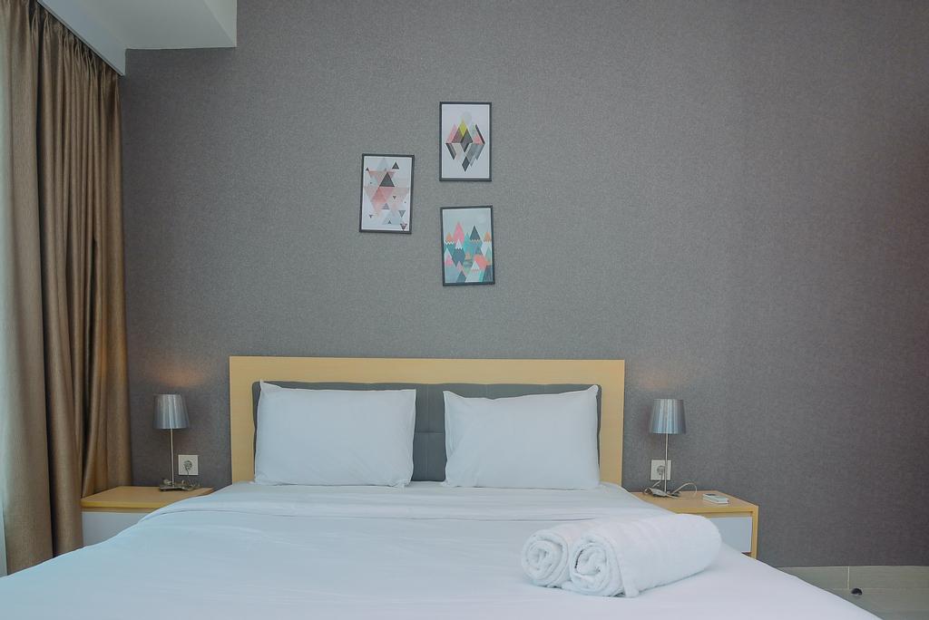 New Furnished and Enjoyed Stay @ 2BR Grand Kamala Lagoon Apartment By Travelio, Bekasi