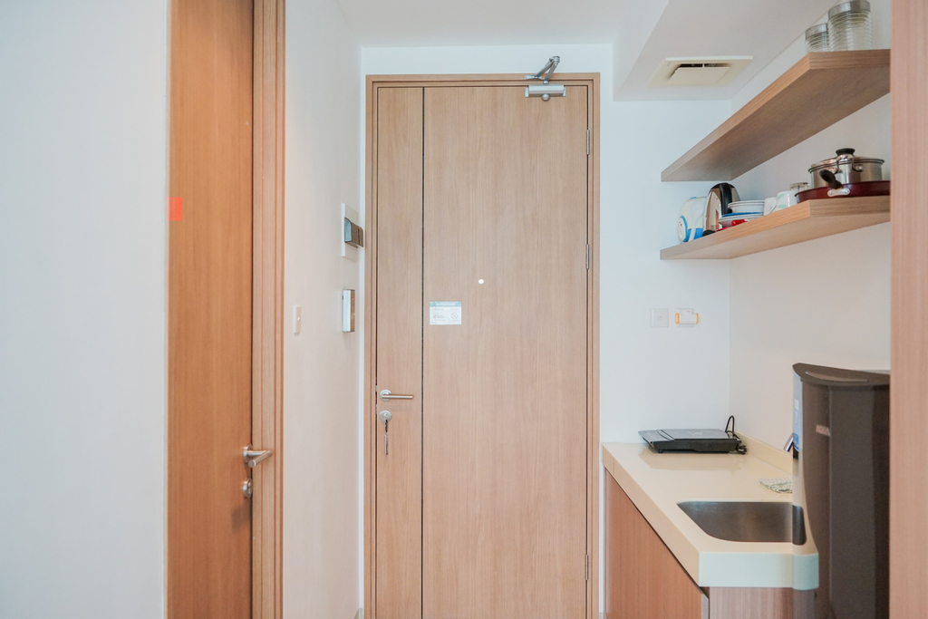 Fabulous Studio Apartment at Tree Park City Cikokol By Travelio, Tangerang