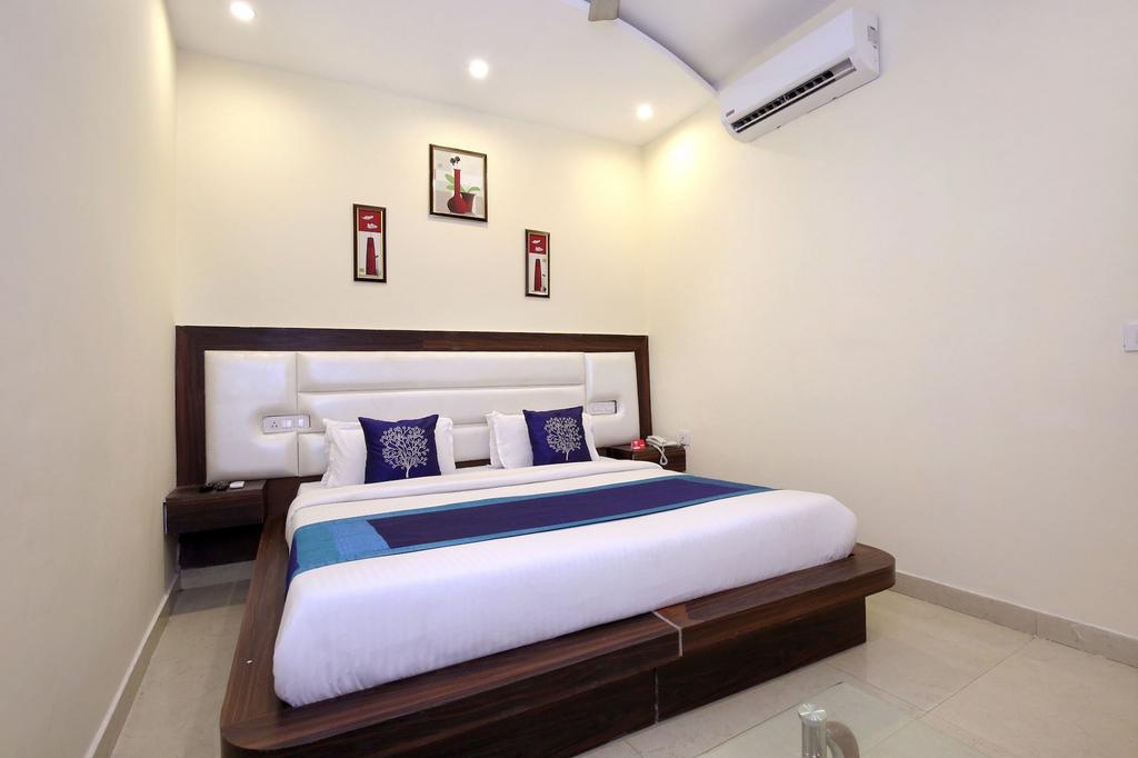 OYO 10145 Hotel JK, Sahibzada Ajit Singh Nagar