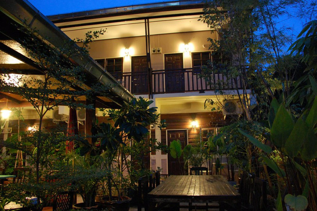 The Outside Inn, Muang Ubon Ratchatani