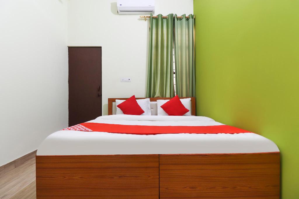 OYO 69788 Hotel Limewood, Meerut