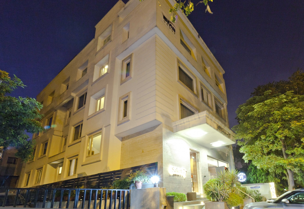 Hotel Saket 27, West