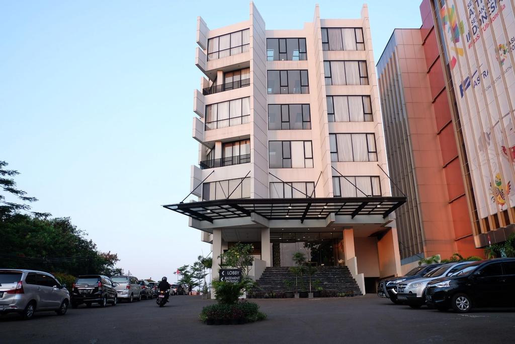 Hotel Rivoli Senen Jakarta, Central Jakarta