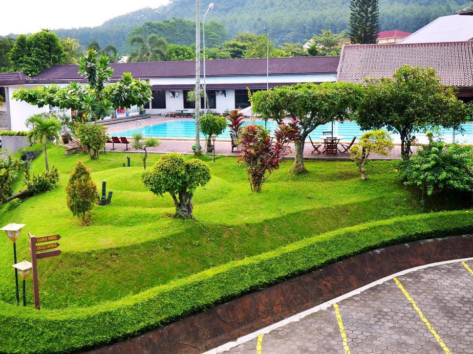 Front One Resort Magelang, Magelang