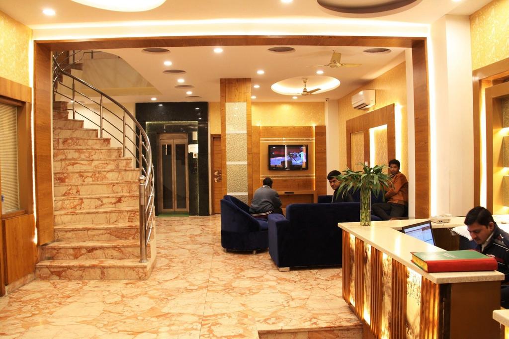 Hotel Golden Oasis Delhi, West