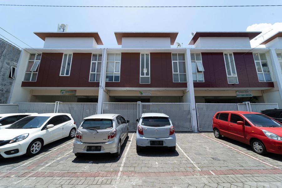 KoolKost Male Syariah near SMAK Kolese Santo Yusup 2, Malang